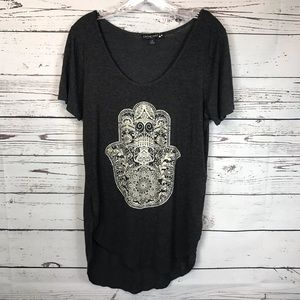 Oversized distressed Hamsa hand T Shirt small